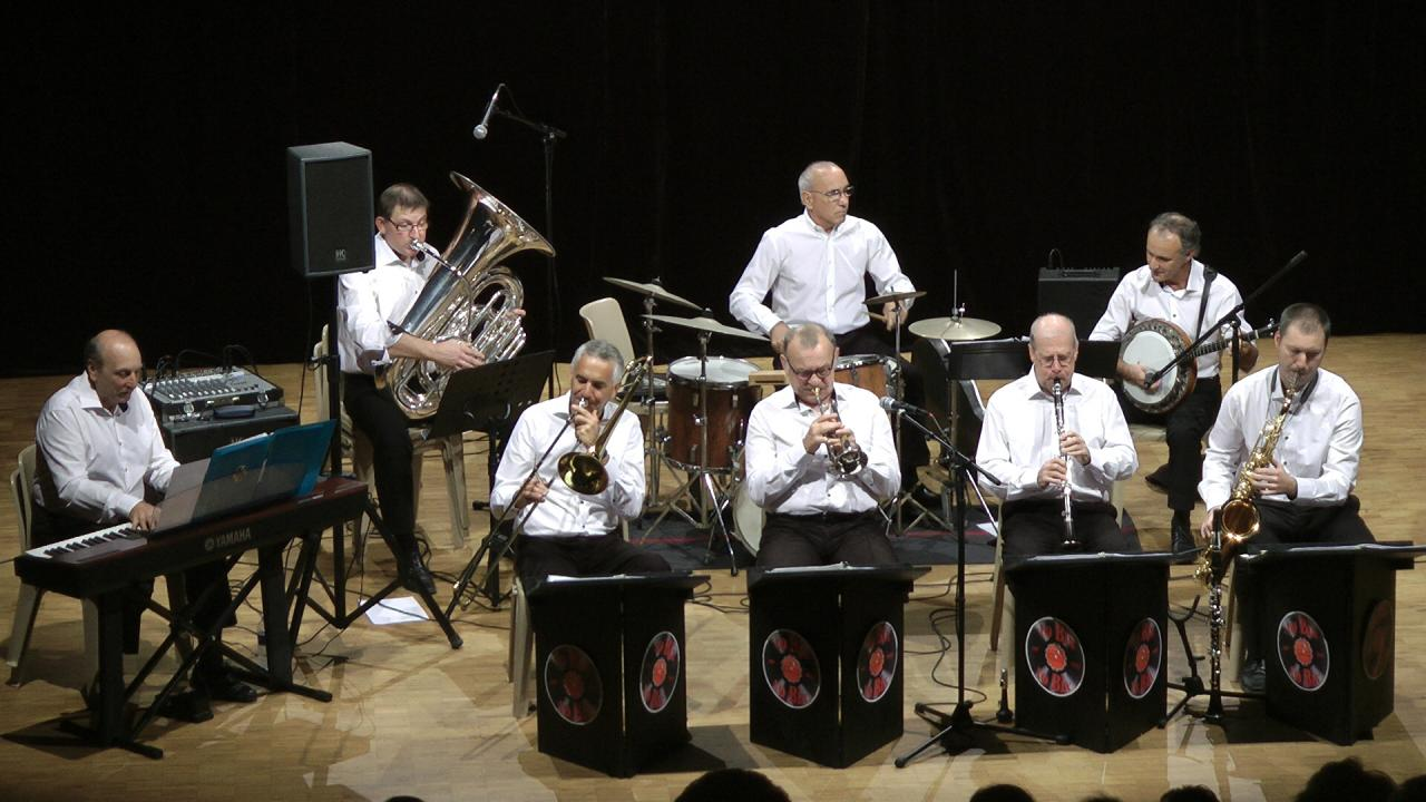 GLINE'S SWING BAND